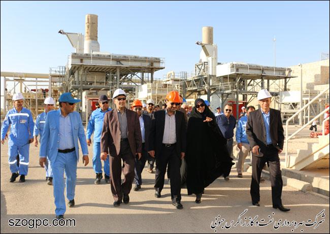 به منظور بررسی شرایط و اطمینان از آمادگی جهت تامین گاز زمستانی ، مهندس رامین حاتمی مدیر عامل شرکت نفت مناطق مرکزی ایران از منطقه عملیاتی نار بازدید کرد 8
